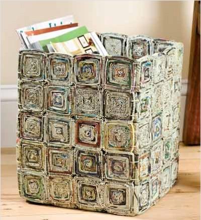 Une boite à partir de vieux journaux